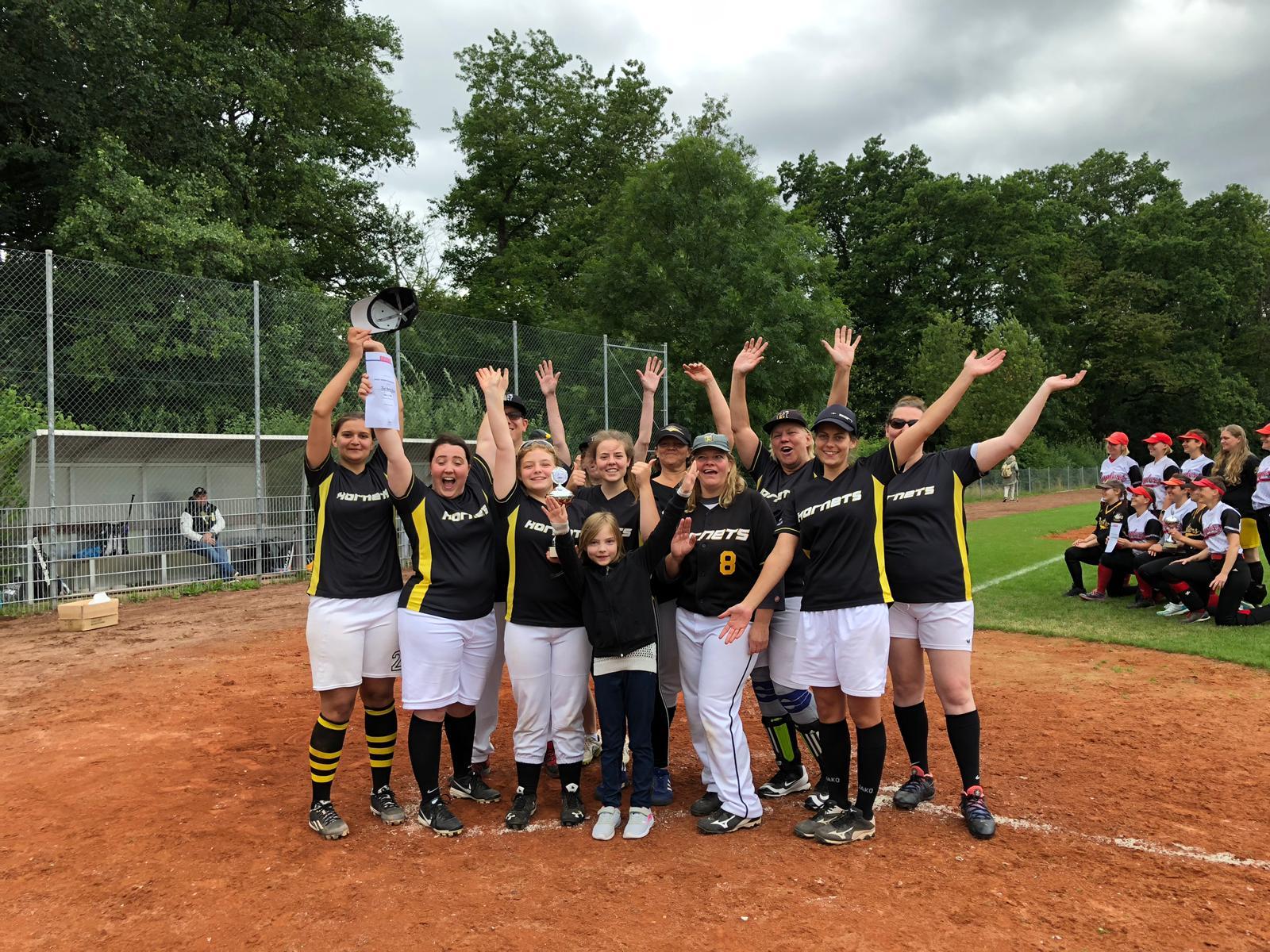 Hornets-Damen gewinnen Vize-Titel im Softball-Hessenpokal